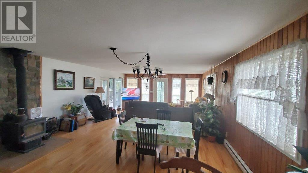 3504 Crystal Springs Road, 100 Mile House (Zone 10), British Columbia  V0K 1T1 - Photo 19 - C8034951